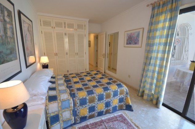 GC 172758-7 Schlafzimmer mit Doppelbett