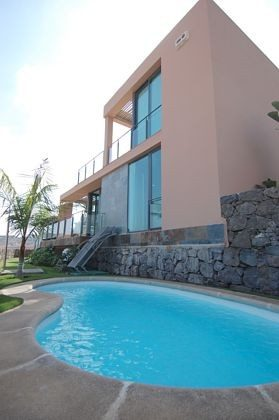 privater Pool und Haus