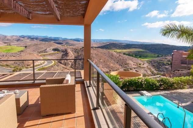 Terrasse oben mit schönem Ausblick
