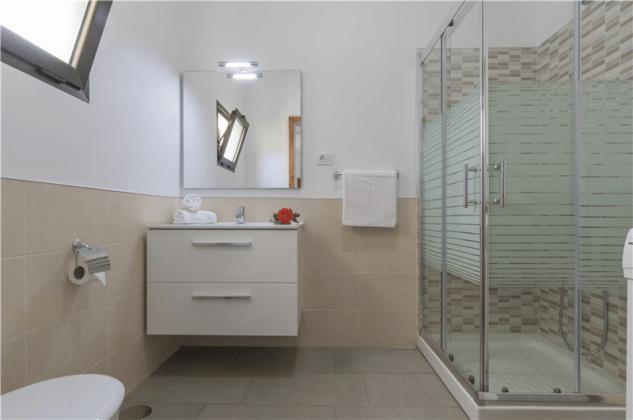 GC 2584-94 Badezimmer, Wohnung 2
