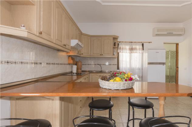 GC 2584-94 Küchenzeile, Wohnung 2