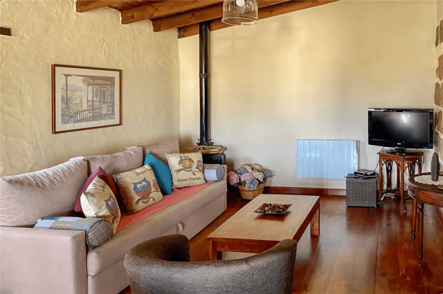 GC 2584-49 Wohnzimmer mit TV
