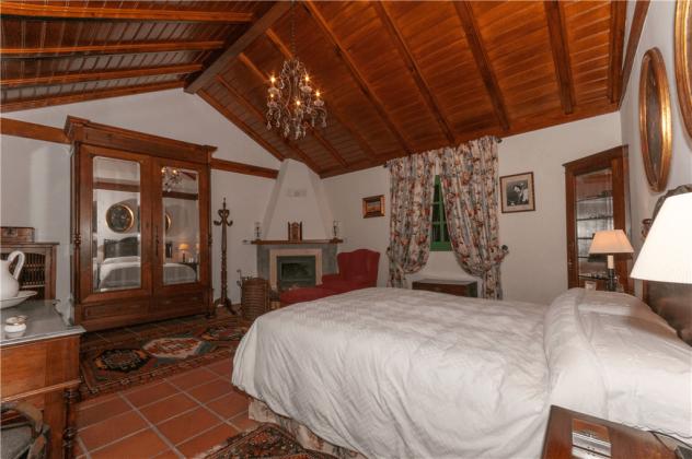 GC 2584-75 Schlafzimmer mit Doppelbett