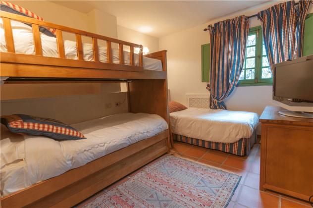 GC 2584-75 Zimmer mit drei Einzelbetten