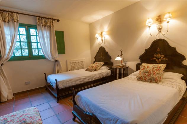 GC 2584-75 Schlafzimmer mit Einzelbetten