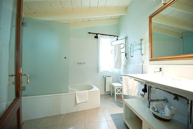 Wohnbeispiel Badezimmer mit Wanne