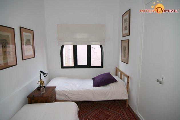 Schlafzimmer mit zwei Einzelbetten Haus B