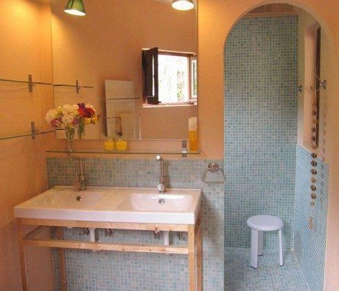 175569-6 Badezimmer mit Massagedusche