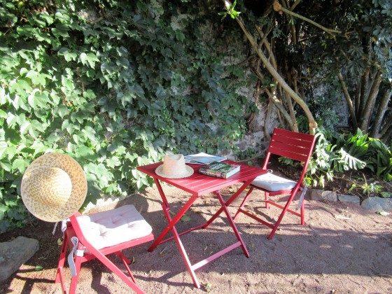 175569-6 Sitzecke im Garten