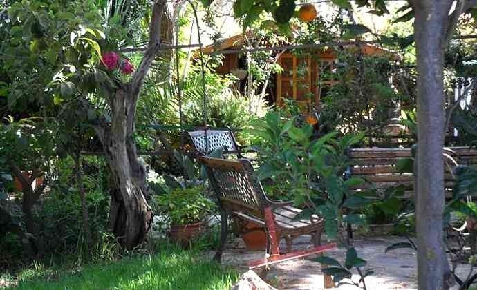 schattige Plätze im Garten zum Lesen