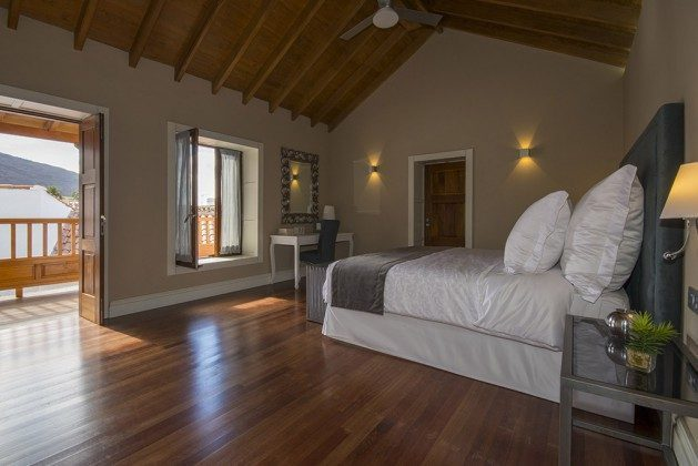 GC 2584-88 Schlafzimmer mit Doppelbett