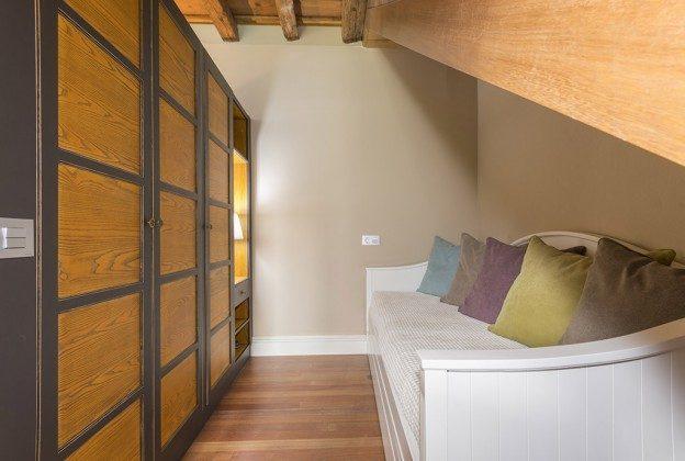 GC 2584-88 kleines Gästezimmer mit Schlafsofa
