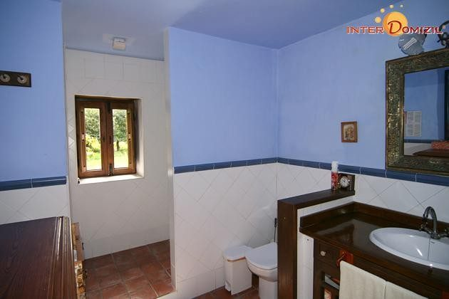 geräumiges Badezimmer Haus 1
