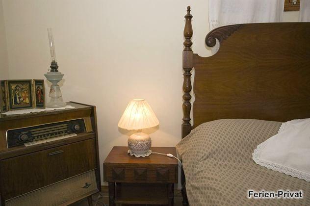 Antiquität Radio im Schlafzimmer