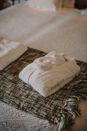 GC 44524-1 Handtücher und Bademantel inklusive
