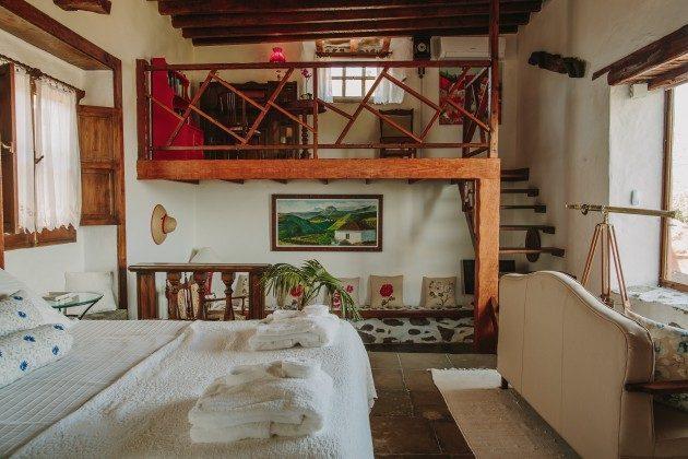 GC 44524-2 Wohn-/Schlafzimmer mit Doppelbett