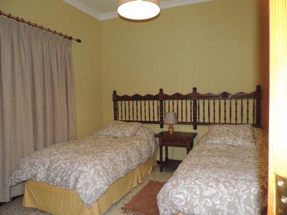 GC 24052-3 Schlafzimmer mit zwei Einzelbetten