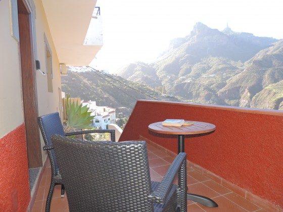 GC 24052-3 Terrasse mit herrlichem Ausblick auf die Berge