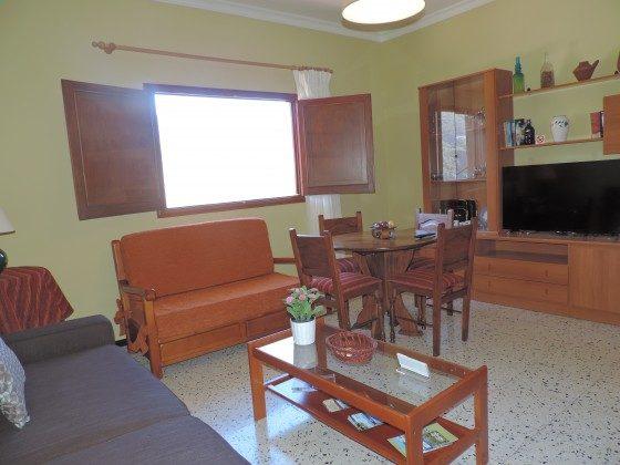 GC 24052-3 Wohnzimmer mit TV