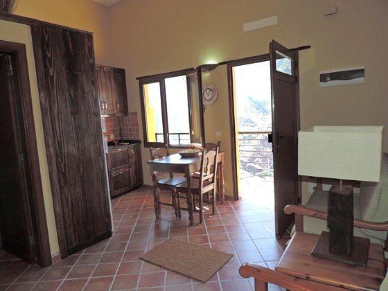 Wohn-/Essbereich und Eingang