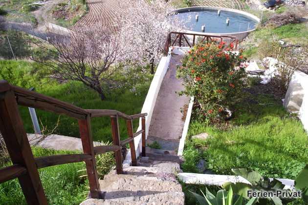 Treppe zur unteren Sonnenterrasse