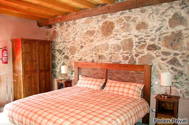 Schlafzimmer mit Doppelbett Erdgeschoss