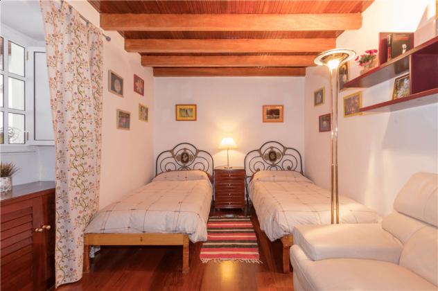 GC 2584-105 weiteres Schlafzimmer mit Einzelbetten