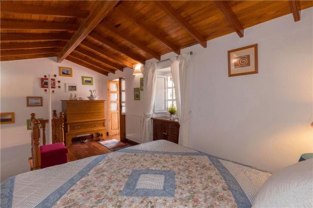 GC 2584-105 geräumiges Schlafzimmer mit Doppelbett