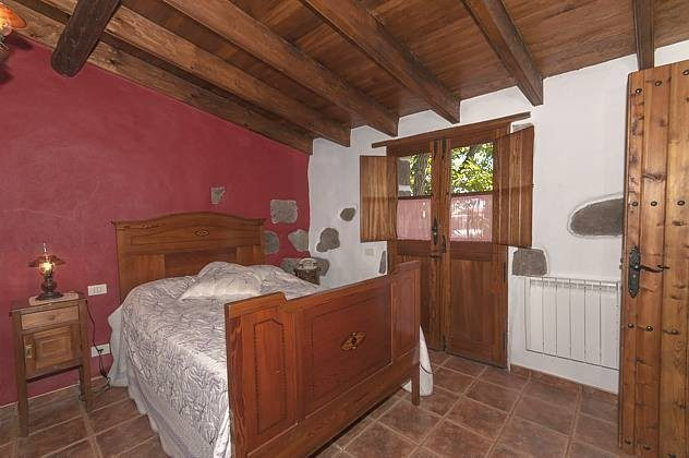 Schlafzimmer mit Doppelbett GC 2584-18