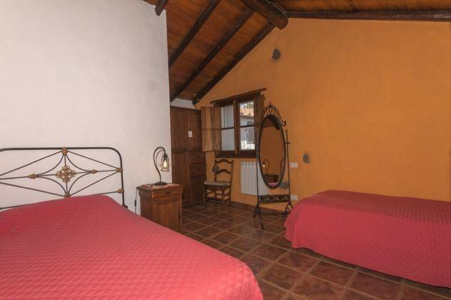 GC 2584-18 Schlafzimmer mit zwei Einzelbetten