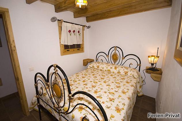 Schlafzimmer im Erdgeschoss GC 2584-59
