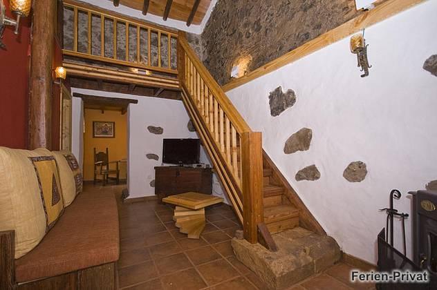 Wohnbereich und Treppe