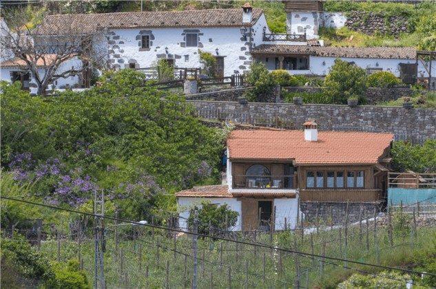GC 2584-93 Blick auf das Haus und die Finca mit Pool
