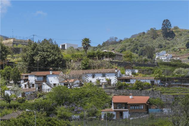 GC 2584-93 Finca mit drei Ferienhäusern und Pool