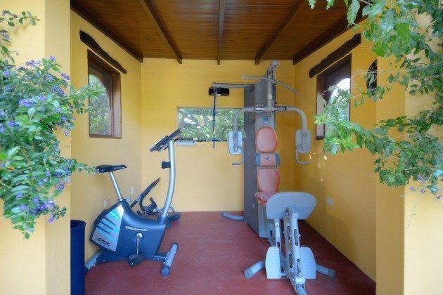 kleiner Fitnessraum auf dem Anwesen