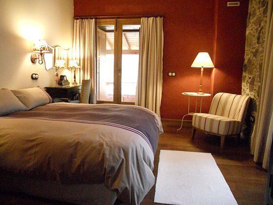 GC 27219-2 Doppelschlafzimmer mit Zugang zum Balkon