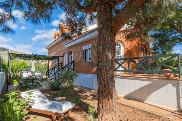 Spanien Kanarische Inseln Gran Canaria Ferienhaus mit Terrasse und Garten