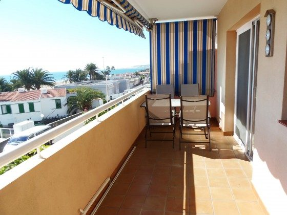 GC 51271-13 Terrasse mit Gartenmöbeln