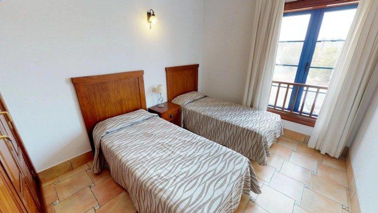 LZ 210739-2 Schlafzimmer mit Einzelbetten