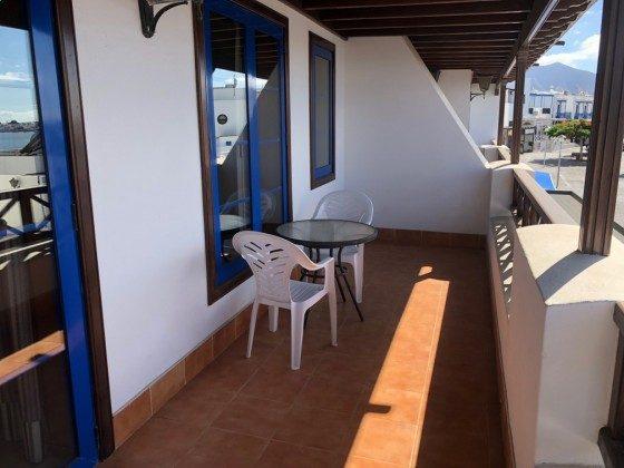 LZ 210739-4 möblierter Balkon