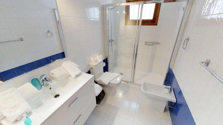 LZ 210769-1 modernes Bad mit großer Duschkabine