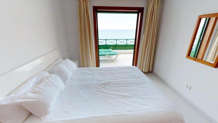 LZ 210769-1 Zugang vom Schlafzimmer zur Terrasse