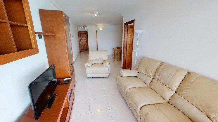 LZ 210769-1 Wohnbereich mit TV