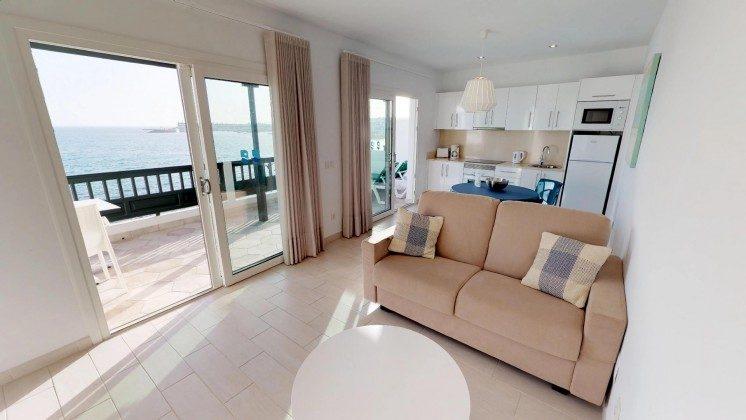 LZ 210770-12 Wohnbereich und Küchenzeile