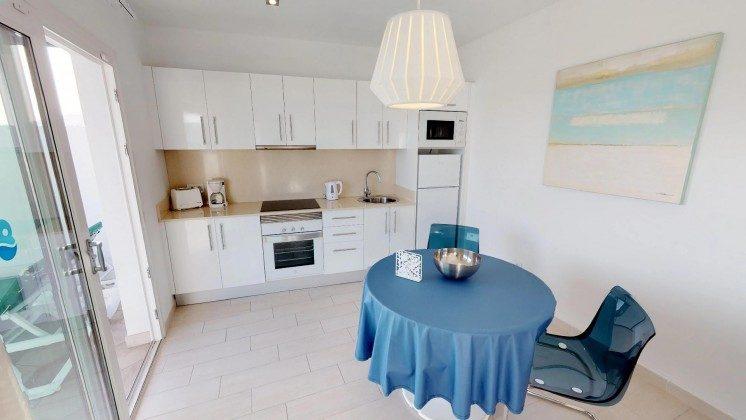 LZ 210770-12 Küchenzeile und Essplatz