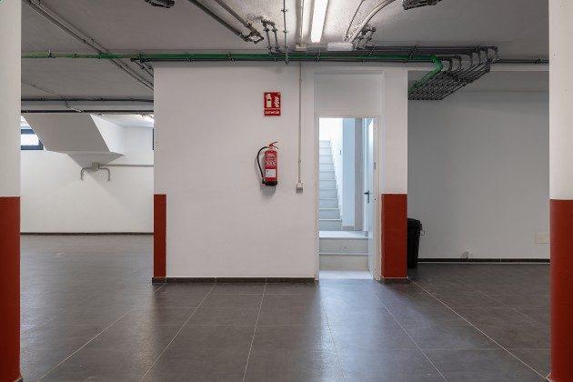 LZ 144288-46 Stellplätze in der Garage