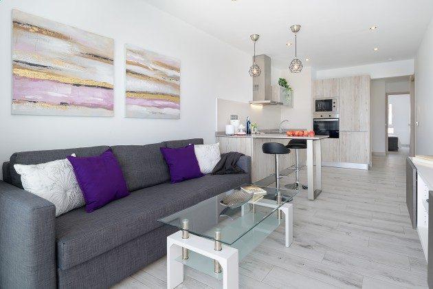 LZ 144288-46 Wohnbereich mit Küchenzeile