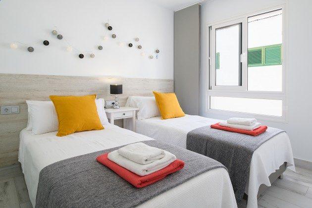 LZ 144288-48 Schlafzimmer mit zwei Einzelbetten