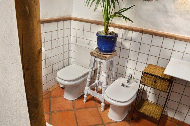 LZ 42477-4 Bad mit Bidet und WC