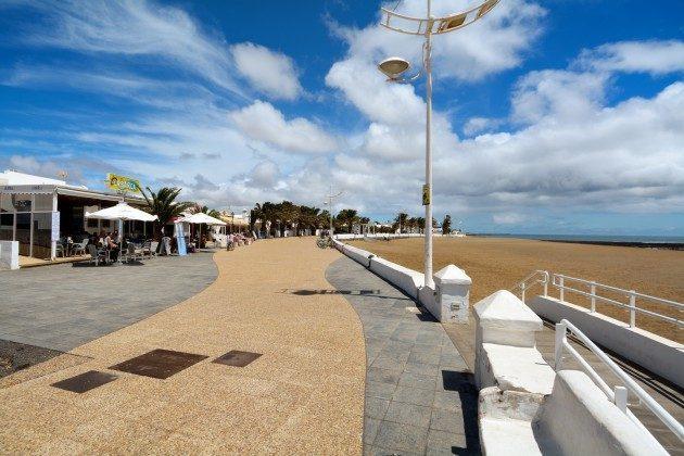Promenade am Strand von Playa Honda